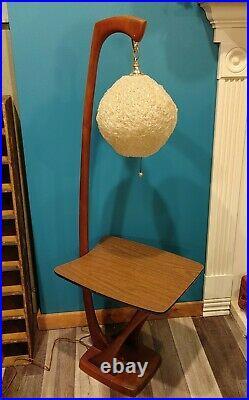 Beautiful Mid Century Modern Walnut Table Floor Lamp With Fiberglass Shade Rare