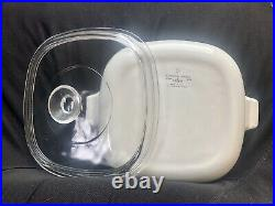 Extremely RARE CorningWare Blue Cornflower Dish. Comes with lid. Free Shipping