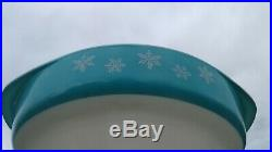 Pyrex Rare HTF Turquoise Snowflake Round 221Cake Dish