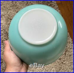 RARE 1950's Vintage Pyrex Turquoise Robins Egg Blue Mixing Bowl Set 401 402 403