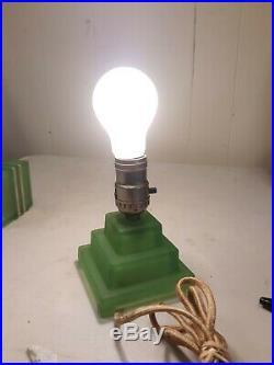 RARE Vintage Mid Century Modern Uranium Green Vaseline Glass 10 ELECTRIC LAMP