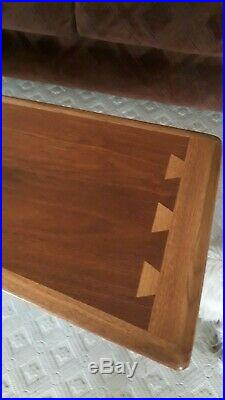 Rare Mid Century Lane Acclaim Boomerang Dovetail Inlaid Top Coffee Table
