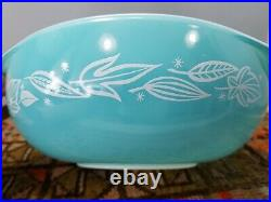 Rare Pyrex Promotional BLOWING LEAVES (#024) Round Lidded Casserole Turquoise