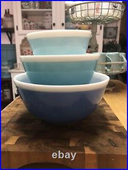 Rare Vintage Pyrex White Rim Turquoise Blue AMERICANA Mixing Bowl Set401/402/403