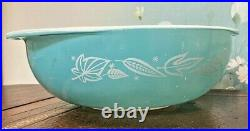 Very Rare Vintage Pyrex Promotional Blowing Leaves 024 Two Quart Casserole Dish
