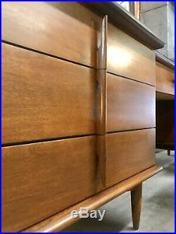 Vintage Mid Century Modern UNITED Furniture Very Rare 96 Walnut Double Dresser